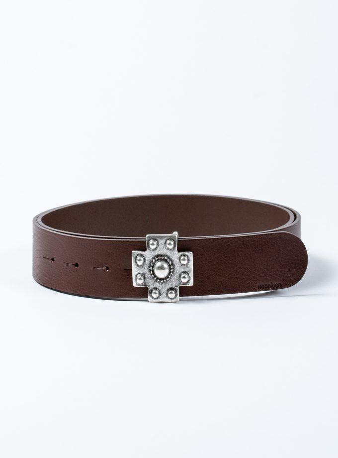 Cinturón de piel de calidad con hebilla en forma de cruz