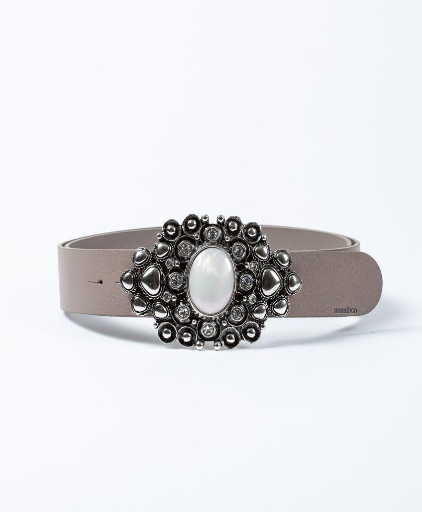 Cinturón de piel con hebilla joya con perla central