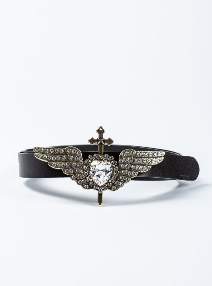 Cinturón de piel con hebilla joya con un diseño en forma de corazón con alas decoradas con múltiples brillantes